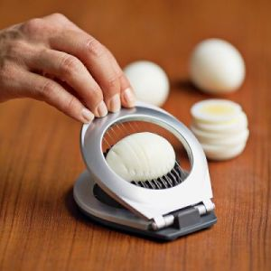 3-in-1-egg-slicer