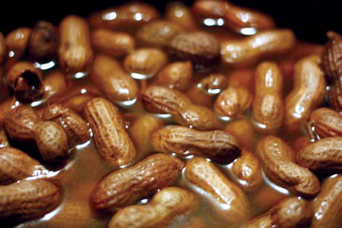 boiled_peanuts_closeup