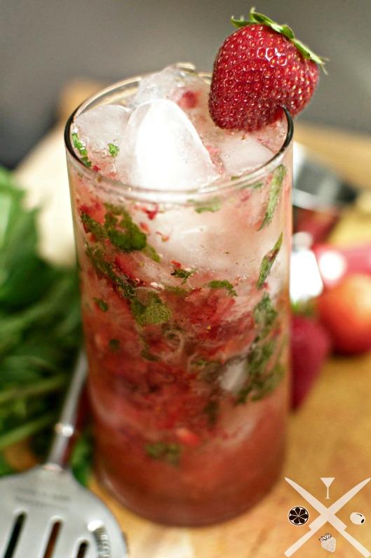 Strawberryfizzcocktail2